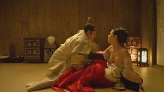 パラサイト(映画)の女優チョ・ヨジョンの濡れ場シーン。(30枚)・13枚目