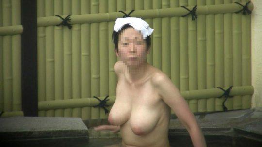 露天風呂で盗撮した犯人の女のセンスが良すぎてヤバい。。(50枚)・18枚目