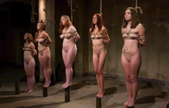"""【奴隷美女】世界中で未だ密かに開催されてる""""奴隷オークション""""の人身売買エロ画像・10枚目"""