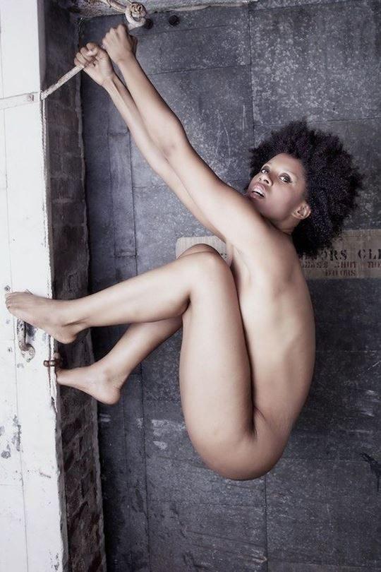 """【黒人美女】黒光りする美しさ、光沢のある黒い肌に勃起が止まらない""""黒人ヌード""""のエロ画像・11枚目"""