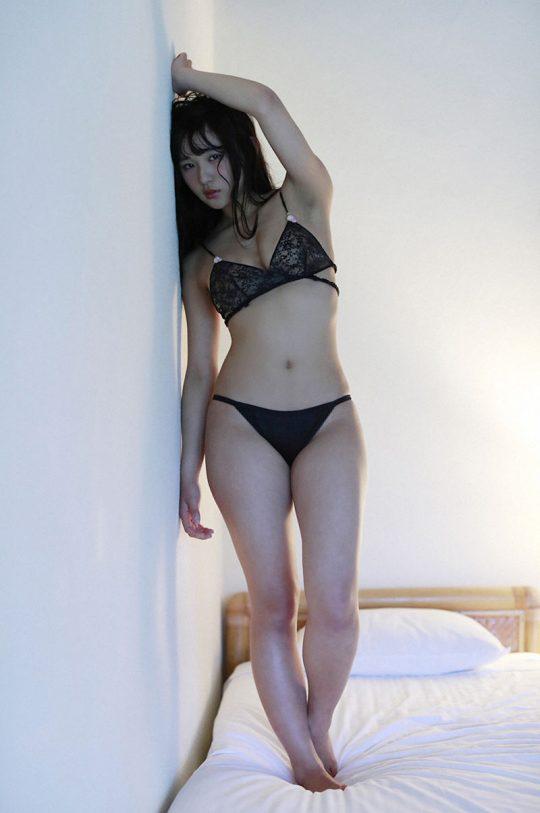 【画像大量】黒は女を引き立たせる、セクシー過ぎ注意な黒下着お姉さんのエロ画像まとめ・35枚目