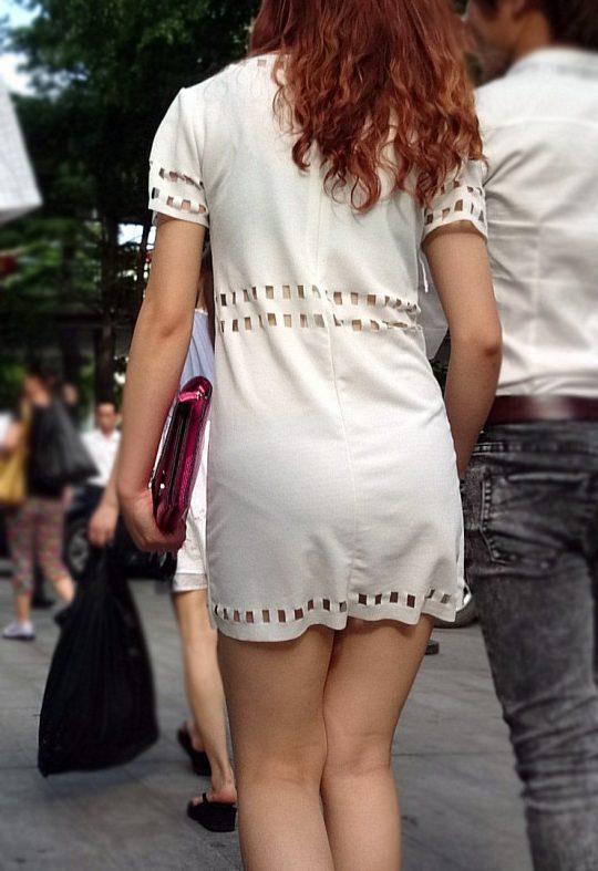 """【透けパンエロ】ぴったりパンツで下着が透けちゃってる女の子を撮った""""透けパン盗撮""""のエロ画像・17枚目"""