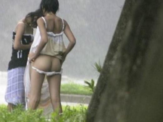 着替えを盗撮された女の子たち、出回るとか思わなかっただろう・・・